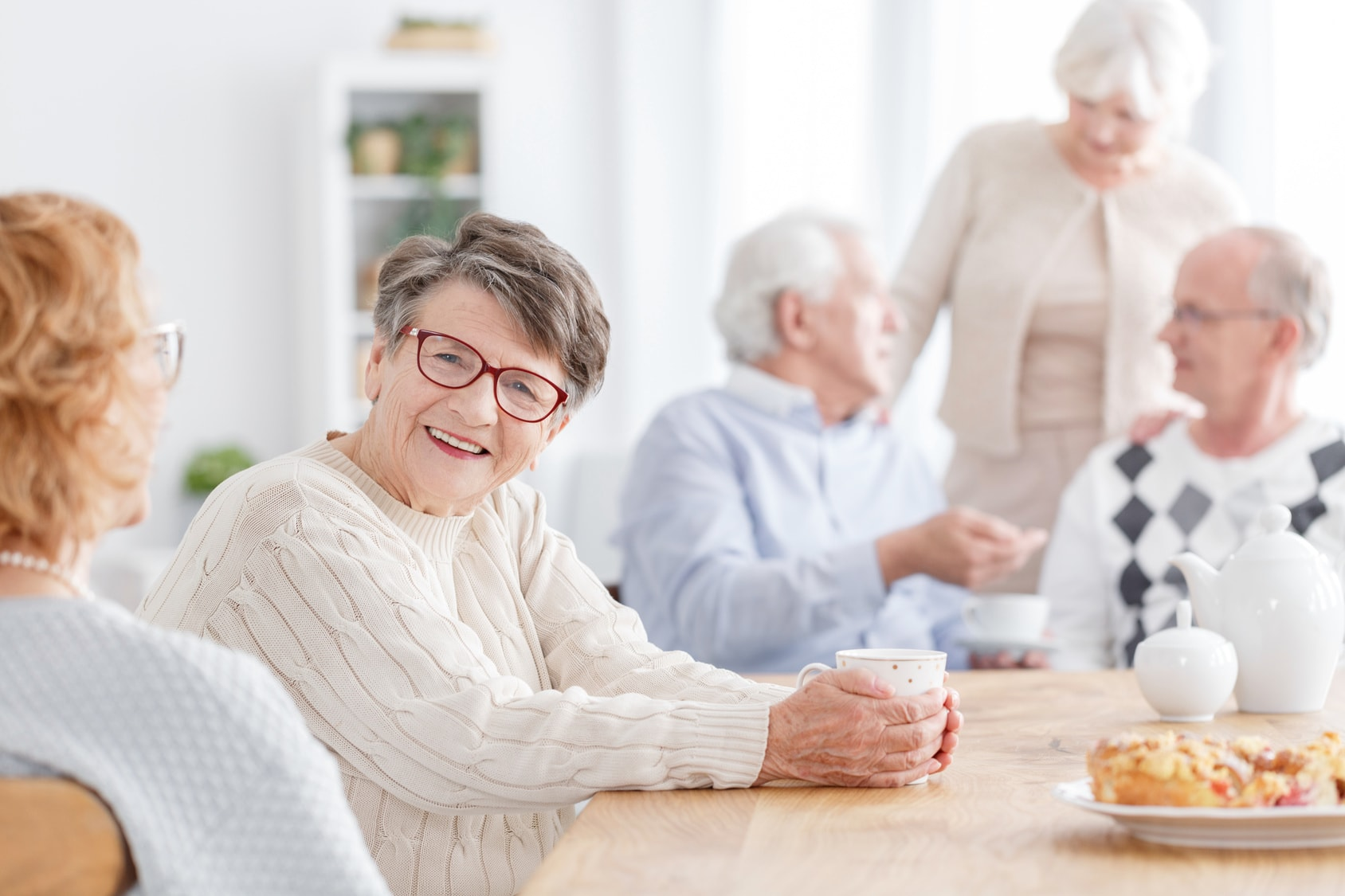 8 tips to enhance communication for seniors with hearing or speech difficulties