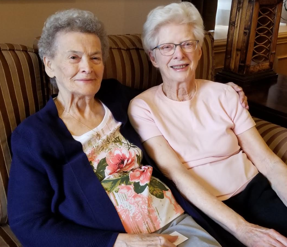 Friendship blossoms at Chartwell Scarlett Heights