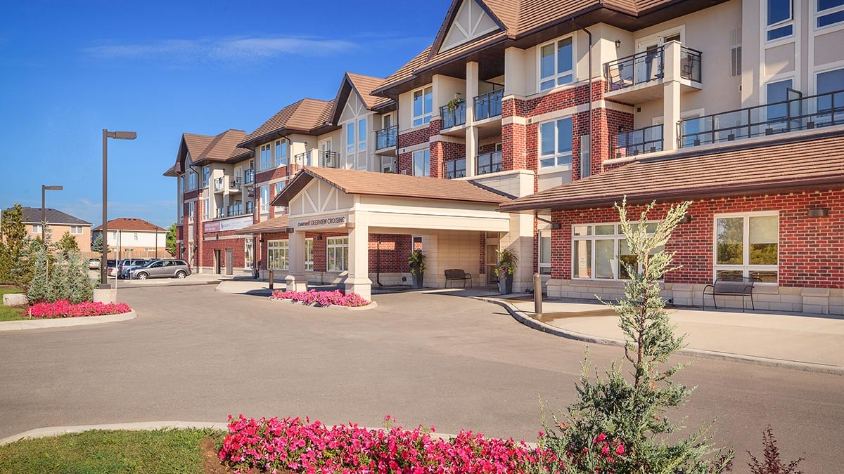 lovely exterior of Chartwell Deerview Crossing Retirement Residence