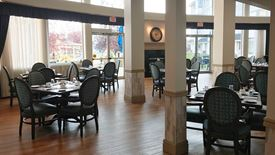 Beautiful dining area in Chartwell Harbours Retirement Residence