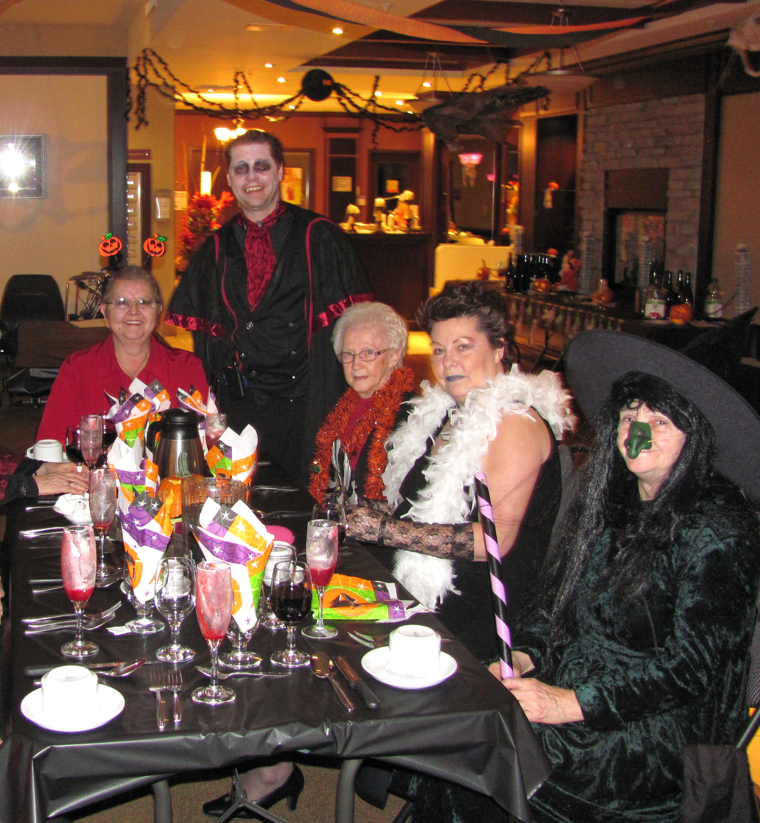staff and residents dressed for halloween at Chartwell Jardins Laviolette résidence pour retraités