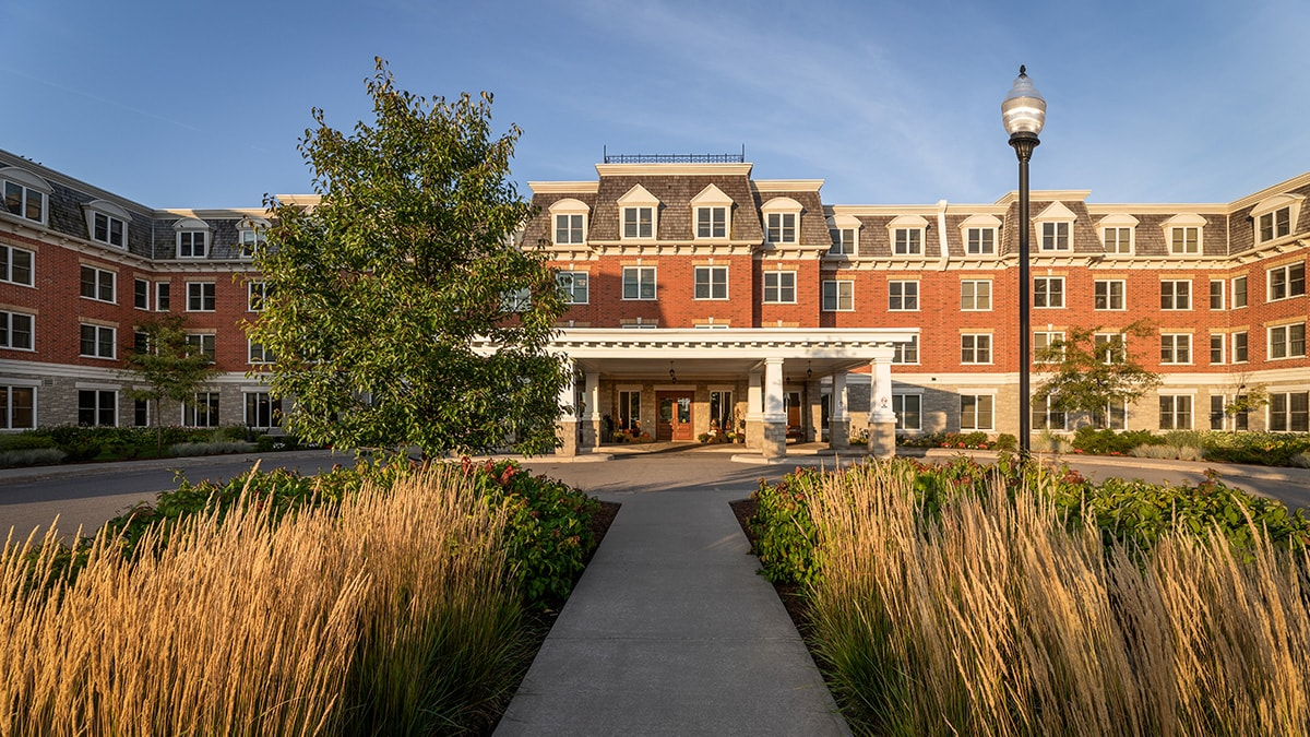 Beautiful exterior of Chartwell Montgomery Village retirement residence