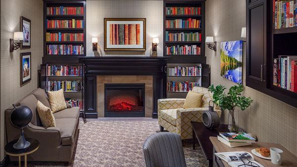 library at Chartwell Tiffin Retirement Residence