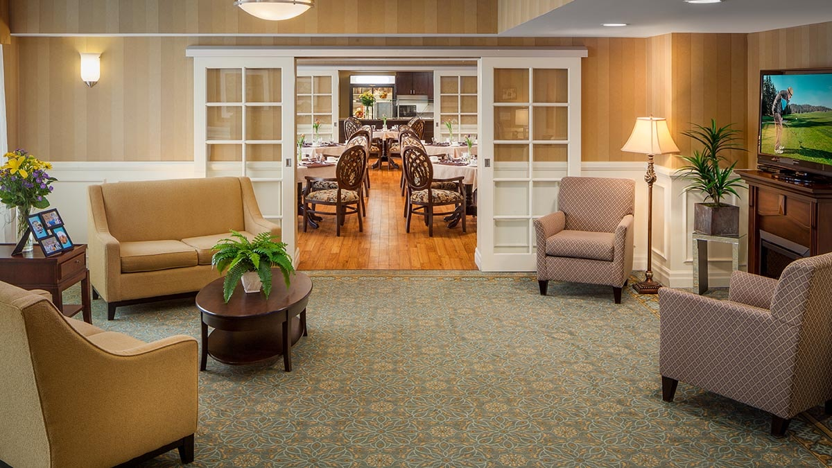 common area at Chartwell Wynfield Retirement Residence